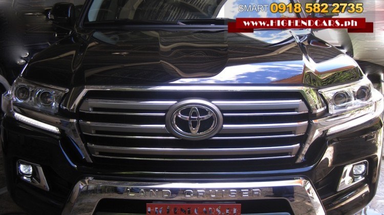 2016 TOYOTA LAND CRUISER VX FULL OPTIONS LOCAL READY STOCK